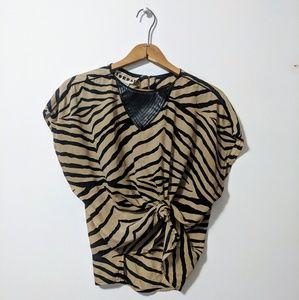 🚨SALE! Vintage   🐅 blouse